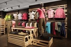 arredamento-per-negozio-abbigliamento-sportivo
